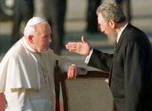 Juan Pablo II y Fidel Castro en 1998