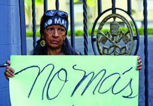PROTESTA CONTRA ABUSOS SEXUALES DE SACERDOTES EN R.DOMINICANA