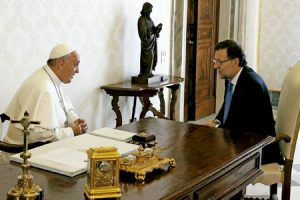 papa Francisco con el presidente del Gobierno de España Mariano Rajoy abril 2013