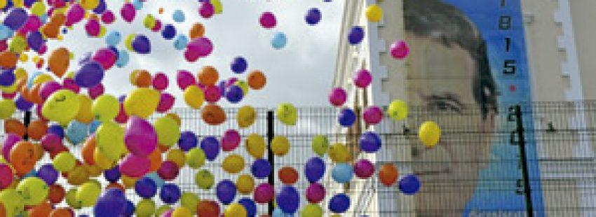 globos de colores en el inicio de los actos de los salesianos por el bicentenario del nacimiento del fundador Don Bosco
