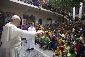 papa Francisco en un hogar para niños de la calle en Manila, Filipinas, 16 enero 2015
