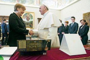 El Pontífice recibe, el sábado 21, a la canciller alemana, Angela Merkel