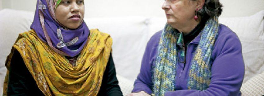 Pepa Torres, religiosa Apostólica del Corazón de Jesús e integrante de la Red Interlavapiés, con musulmanes y judíos en Madrid