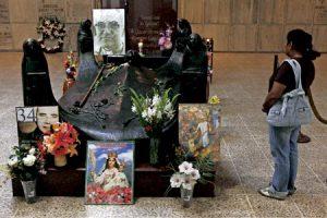 tumba de monseñor Óscar Romero, arzobispo de San Salvador