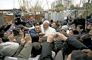 papa Francisco visita la parroquia romana de San Miguel Arcángel febrero 2015