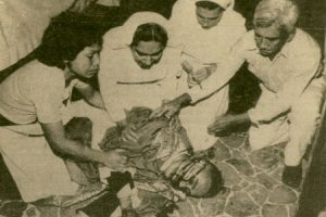 recorte de periódico de monseñor Óscar Romero asesinado