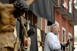 Antonio Pelayo, sacerdote y periodista de Vida Nueva, pronuncia el Sermón de las Siete Palabras Valladolid Viernes Santo 2015
