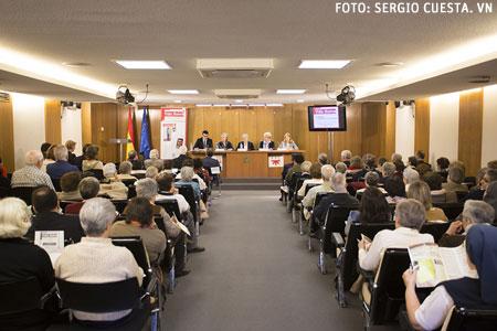 mesa redonda Vida Nueva mujeres Donne Chiesa Mondo presentación en Madrid 23 abril 2015