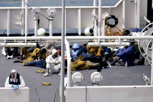 inmigrantes supervivientes del naufragio en el Mediterráneo abril 2015