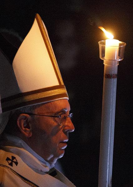 Vigilia Pascual 2015 papa Francisco cirio pascual