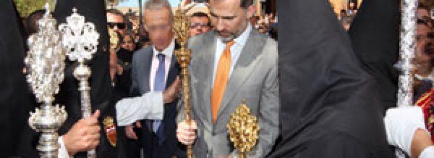 rey Felipe VI cofrade procesión Sevilla Semana Santa 2015