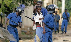 Carga policial contra las protestas en Bujumbura