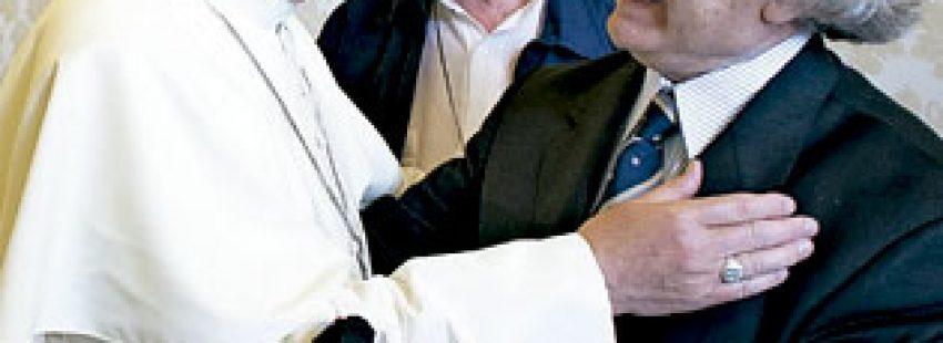 el papa Francisco recibe a Adolfo Pérez Esquivel junio 2013