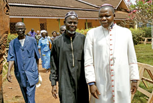 Dieudonné Nzapalainga, arzobispo de Bangui, y Kobine Layama, imán de Bangui, República Centroafricana