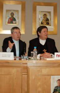 Braz de Aviz (dcha), con Fernando Prado