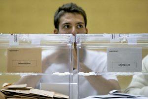 urnas para votar en elecciones generales