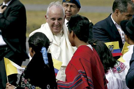 visita papa Francisco llegada a Ecuador, Bolivia, Paraguay 5-13 julio 2015