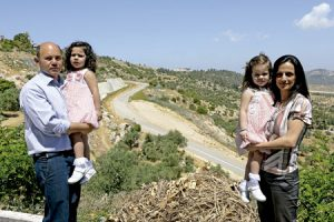 familia cristiana en Beit Jala, Valle del Cremisán, Israel