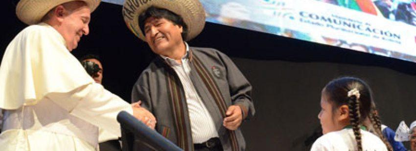 papa Francisco con Evo Morales en el II Encuentro Mundial de Movimientos Populares Bolivia 9 julio 2015