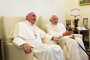 papa-francisco-y-papa-benedicto-XVI-en-castelgandolfo