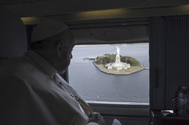 papa Francisco se va de Nueva York desde el avión ve la Estatua de la Libertad 26 septiembre 2015