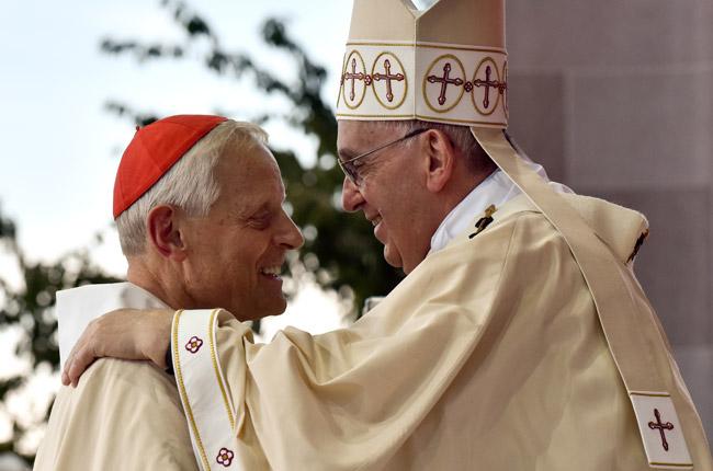 con el cardenal de Washington Donald Wuerl papa Francisco preside la misa de canonización de fray Junípero Serra Santuario Nacional de la Inmaculada Concepción 23 septiembre 2015