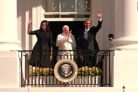 papa Francisco con el presidente Barack Obama y su mujer Michelle en la ceremonia de bienvenida en la Casa Blanca viaje Estados Unidos 23 septiembre 2015