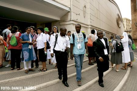 jóvenes religiosos participan en el Encuentro Mundial organizado en el Vaticano septiembre 2015