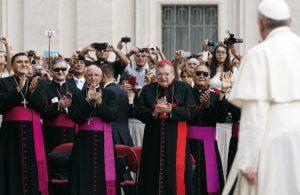 francisco sinodo ordinario familia cardenal burke