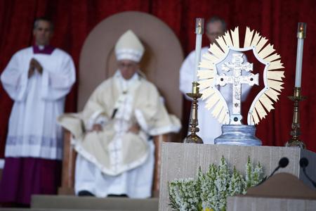 papa Francisco preside la misa de canonización de fray Junípero Serra en el santuario nacional de la Inmaculada Concepción Washington viaje Estados Unidos 23 septiembre 2015