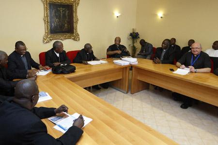 sesión de trabajo en un círculo menor Sínodo de la Familia 2015