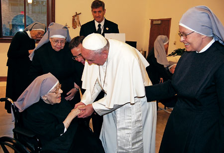 francisco-visita-Hermanitas-de-los-Pobres-G