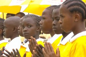 misa-kenia-ninos-G  misa oficiada por Francisco en la Universidad de Nairobi