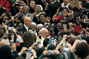 papa-francisco-congreso-educar-hoy-y-mañana-G