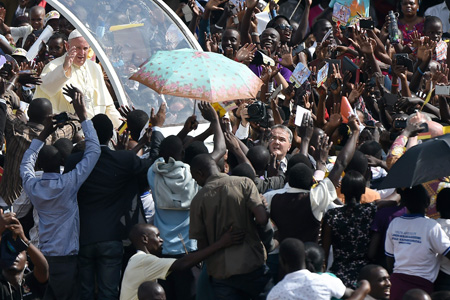 papa Francisco encuentro con jóvenes de Uganda Kololo Air Strip sábado 28 noviembre 2015 viaje África