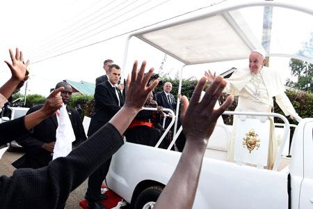 Francisco llega Uganda viaje africa