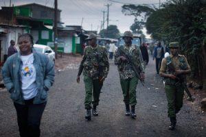 soldados-kenia-kangemi-G