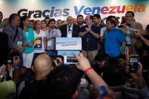 Miembros-opositora-MUD-victoria-elecciones-venezuela