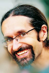 Siro López, autor del libro 'CREA'