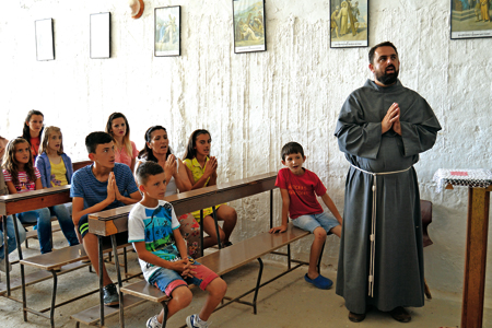 iglesia-en-albania-3-G