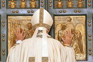 papa-francisco-puerta-santa-jubileo-misericordia-2015-G