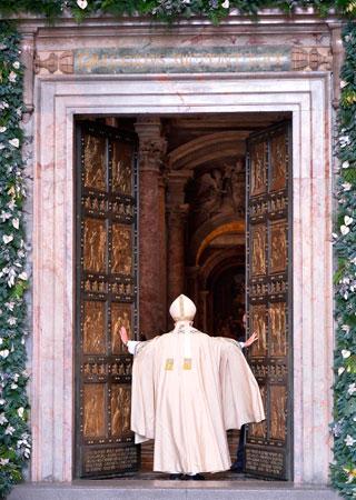 papa-puerta-santa