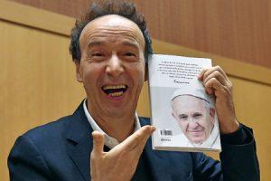 Roberto-Benigni-primer-libro-del-Papa-El-nombre-de-Dios-es-misericordia