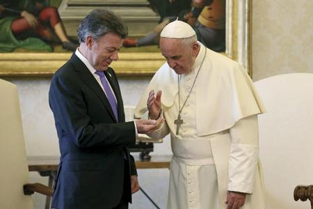 papa-francisco-y-juan-manuel-santos-Colombia-G