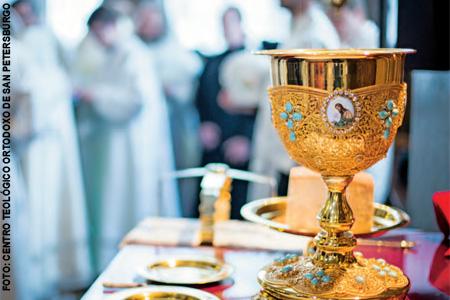 cáliz en una celebración ortodoxa