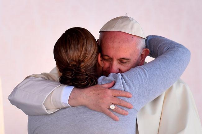 papa-francisco-abrazo-ciudad-juarez