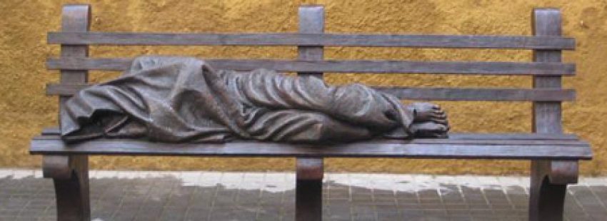 Jesús sin techo, escultura de Timothy P. Schmalz colocada en el Vaticano el 23 de marzo de 2016