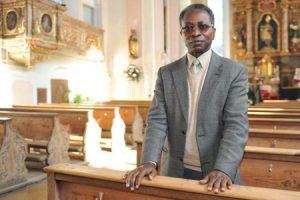 Oliver Ndjimbi-Tshiende