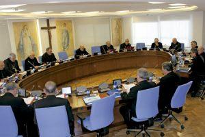 obispos españoles en una reunión de la Comisión Permanente de la CEE