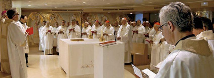 obispos españoles en una celebración durante unos ejercicios espirituales